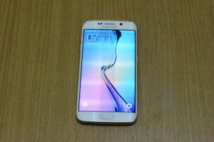 DSC 0707 300x200 - Samsung Galaxy S6 Edge  Review
